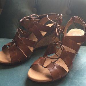 Clark's wedge sandal size 6.5